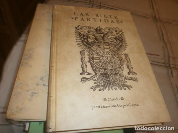 Libros de segunda mano: Las Siete Partidas del Sabio Rey don Alonso el Nono facsimil 1555 3 vols estuche 1974 BOE - Foto 5 - 194198667