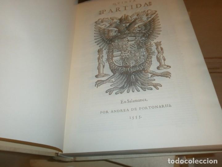 Libros de segunda mano: Las Siete Partidas del Sabio Rey don Alonso el Nono facsimil 1555 3 vols estuche 1974 BOE - Foto 9 - 194198667