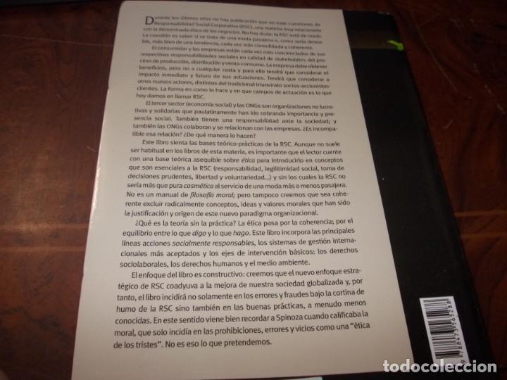 Libros de segunda mano: Responsabilidad Social Corporativa: Teoría y práctica. Fernando Navarro García. 2.008 - Foto 2 - 194220018
