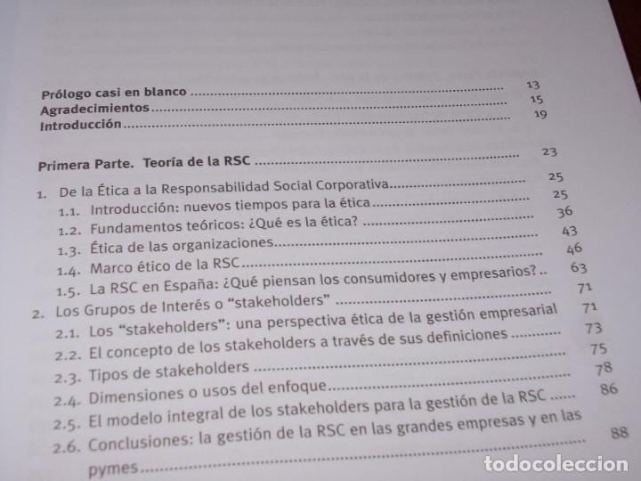 Libros de segunda mano: Responsabilidad Social Corporativa: Teoría y práctica. Fernando Navarro García. 2.008 - Foto 3 - 194220018