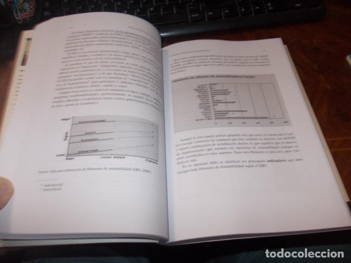 Libros de segunda mano: Responsabilidad Social Corporativa: Teoría y práctica. Fernando Navarro García. 2.008 - Foto 7 - 194220018