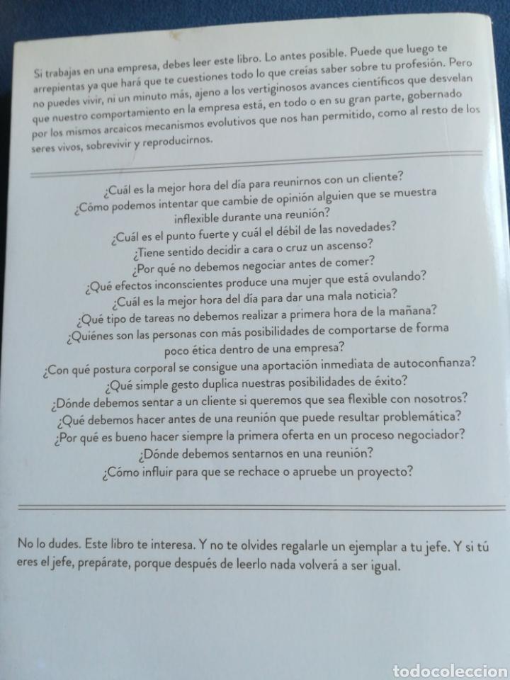 Libros de segunda mano: Buscando señales de vida inteligente en el comité de dirección Daniel Gómez Visedo DEDICADO - Foto 2 - 194863336
