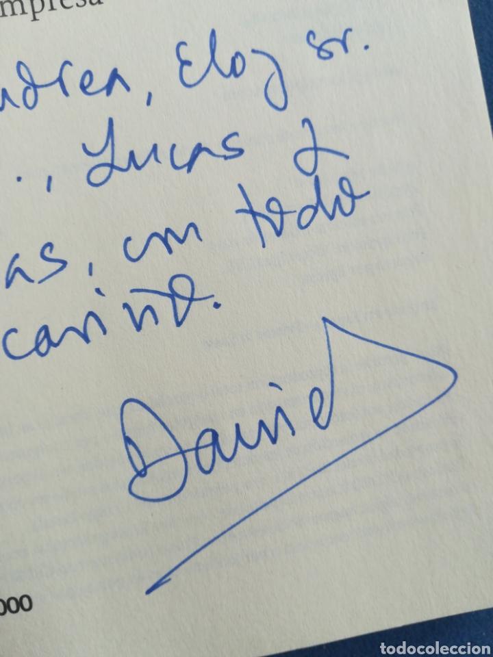 Libros de segunda mano: Buscando señales de vida inteligente en el comité de dirección Daniel Gómez Visedo DEDICADO - Foto 4 - 194863336