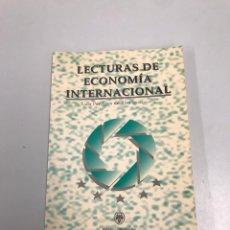 Libros de segunda mano: LECTURAS DE ECONOMÍA INTERNACIONAL. Lote 202038101