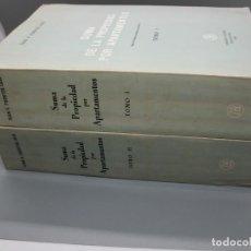 Libros de segunda mano: SUMA DE LA PROPIEDAD POR APARTAMENTOS. TOMOS I Y II POR JUAN V. FUENTES LOJO. Lote 244468875