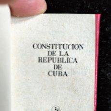 Libros de segunda mano: LIBRO MINIATURA - CONSTITUCION DE LA REPUBLICA DE CUBA - 1986 - 6X4,5CM. Lote 276640298