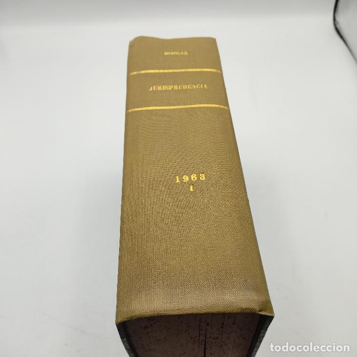REPERTORIO DE JURISPRUDENCIA. EDITORIAL ARANZADI. TOMO XXX. 1ª ED. 1963. PAGS. 1824. (Libros de Segunda Mano - Ciencias, Manuales y Oficios - Derecho, Economía y Comercio)