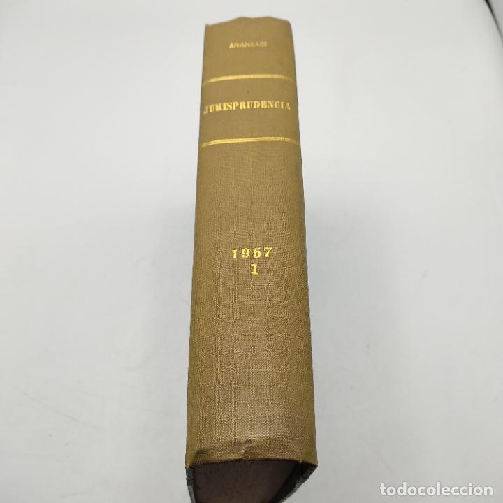 REPERTORIO DE JURISPRUDENCIA. EDITORIAL ARANZADI. TOMO XXIV. 1ª ED. 1957. PAGS. 1264. (Libros de Segunda Mano - Ciencias, Manuales y Oficios - Derecho, Economía y Comercio)