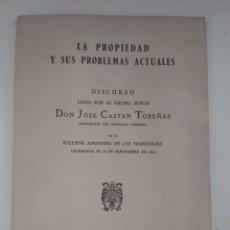 Libros de segunda mano: LA PROPIEDAD Y SUS PROBLEMAS ACTUALES. JOSÉ CASTÁN. 1962.. Lote 293889128