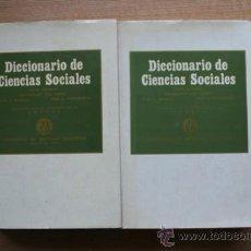Diccionarios de segunda mano: DICCIONARIO DE CIENCIAS SOCIALES. CAMPO (SALUSTIANO DEL), MARSAL (JUAN F.), GARMENDIA (JOSÉ A.) . Lote 25743859