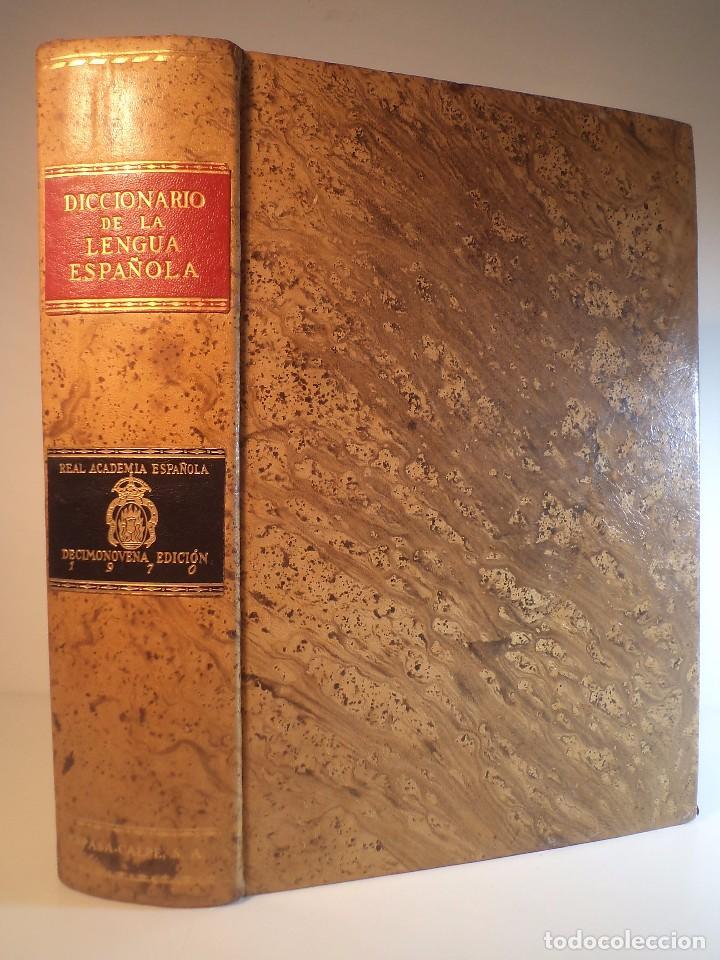 DICCIONARIO DE LA LENGUA ESPAÑOLA. REAL ACADEMIA ESPAÑOLA. DECIMONOVENA EDICIÓN 1970. AMPLIADA Y MEJ (Libros de Segunda Mano - Diccionarios)