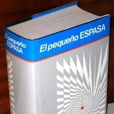Diccionarios de segunda mano: EL PEQUEÑO ESPASA, EDICIÓN DEL BANCO BILBAO-VIZCAYA Y ESPASA CALPE EN MADRID 1988. Lote 15958185