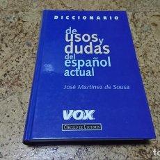 Diccionarios de segunda mano: DICCIONARIO DE USOS Y DUDAS DEL ESPAÑOL ACTUAL, VOX. Lote 194536457
