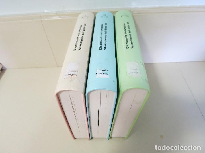 DICCIONARIO ARTISTAS VALENCIANOS SIGLO XX DE AGRAMUNT LACRUZ 3 VOL. 1809PP CARTON 28X21 (Libros de Segunda Mano - Diccionarios)