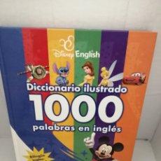 Diccionarios de segunda mano: DISNEY ENGLISH. DICCIONARIO ILUSTRADO: 1000 PALABRAS EN INGLÉS (BILINGÜE INGLÉS-ESPAÑOL). Lote 221370281