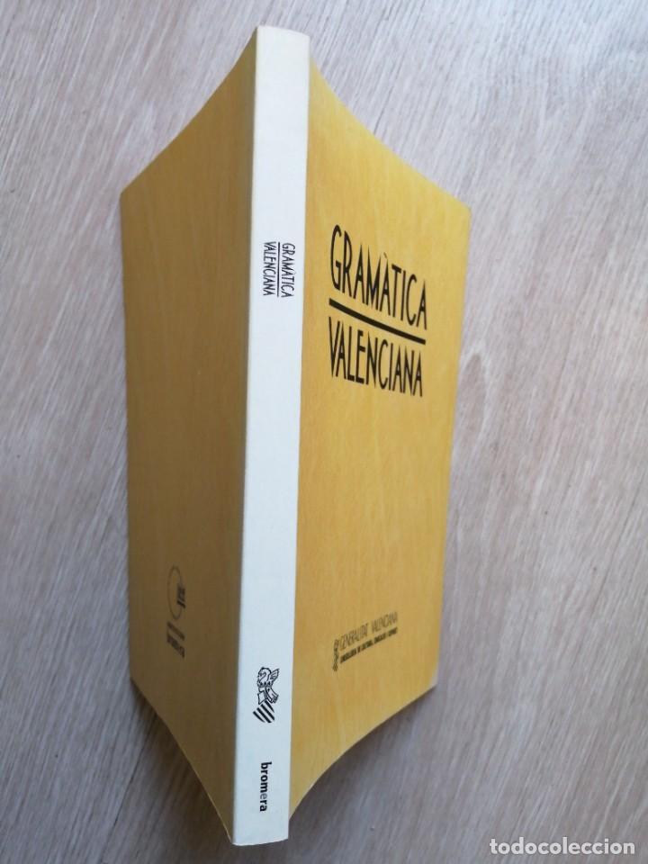 Diccionarios de segunda mano: Gramática valenciana. Bromera. 2004. - Foto 2 - 236335510
