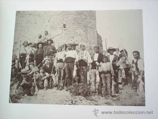 Libros de segunda mano: RETRATOS DE LA VIDA -1875-1939-FOTOGRAFIAS DE LUIS ESCOBAR -1989-- ALBACETE - Foto 6 - 23800583