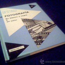Libros de segunda mano: LA FOTOGRAFIA. EN BLANCO Y NEGRO Y COLOR. APRENDALO POR SI MISMO. Nº 9. ESPASA-CALPE 1973.. Lote 22595949