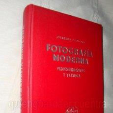 Libros de segunda mano: LIBRO FOTOGRAFÍA MODERNA CHARLES DUNCAN, 1950, TÉCNICA . Lote 27527932