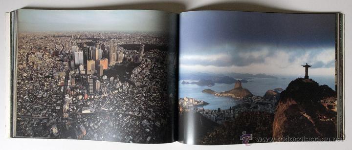 Libros de segunda mano: La Terra Des Del Cel Fotografies De Yann Arthus-Bertrand DESCATALOGADO - Foto 5 - 40326075