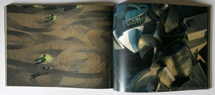 Libros de segunda mano: La Terra Des Del Cel Fotografies De Yann Arthus-Bertrand DESCATALOGADO - Foto 10 - 40326075