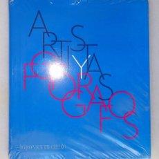 Libros de segunda mano: ARTISTAS Y FOTÓGRAFOS: IMÁGENES PARA UNA COLECCIÓN. MUSEO DE ARTE CONTEMPORÁNEO DE MADRID, 2008. Lote 42894616
