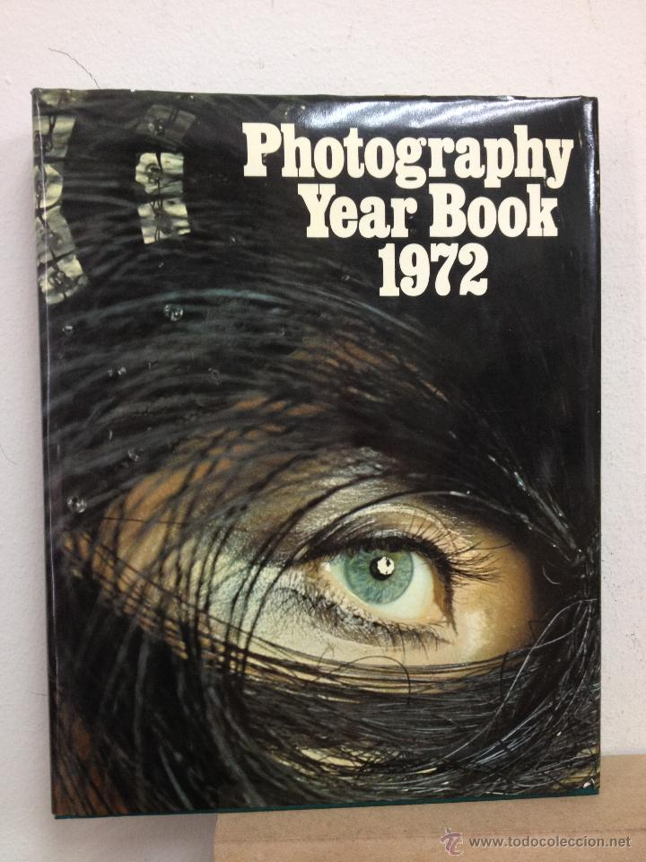 Libros de segunda mano: PHOTOGRAPHY YEAR BOOK 1972 - Foto 1 - 47550233