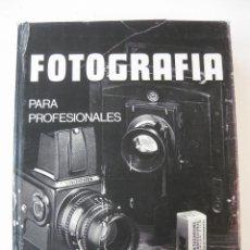 Libros de segunda mano: FOTOGRAFIA PARA PROFESIONALES.JOAQUIN MOYA,MIGUEL GALMES, JORDI GUMI.TECHNE 1976.. Lote 48412474
