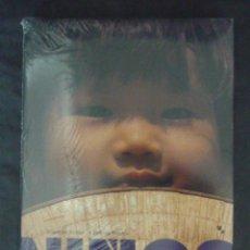 Libros de segunda mano: NIÑOS-LIBRO DE FOTOGRAFIAS DE NIÑOS DE TODO EL MUNDO-E. RUBIO Y C. RODES-150 PAGINAS-AÑO 2000-LA99. Lote 50018646