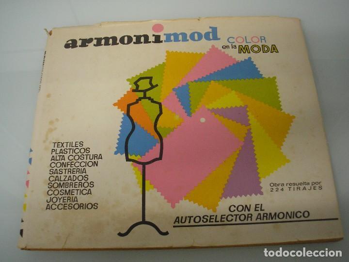 ARMONIMOD - COLOR EN LA MODA - AUTOSELECTOR ARMÓNICO - L.E.D.A. 1970 - PUBLICIDAD - ILUSTRACIÓN (Libros de Segunda Mano - Bellas artes, ocio y coleccionismo - Diseño y Fotografía)