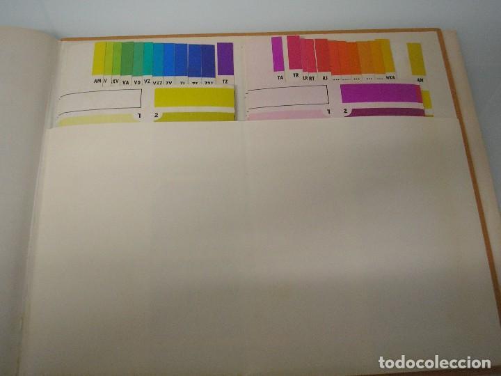 Libros de segunda mano: Armonimod - Color en la Moda - Autoselector armónico - L.E.D.A. 1970 - Publicidad - Ilustración - Foto 4 - 71845315