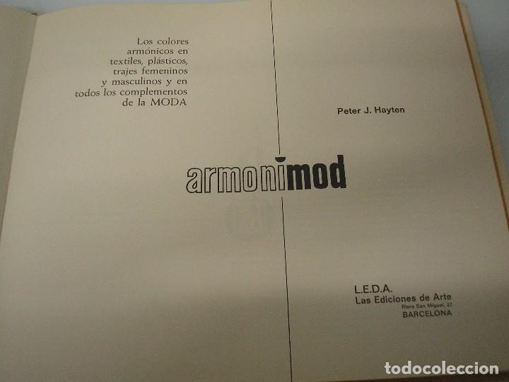 Libros de segunda mano: Armonimod - Color en la Moda - Autoselector armónico - L.E.D.A. 1970 - Publicidad - Ilustración - Foto 6 - 71845315