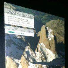 Libros de segunda mano: PICOS DE EUROPA UNIVERSO DE ROCA, NIEVE Y LUZ A VISTA DE AGUILA / VOLUMEN 3 / VALENTIN ORMEÑO. Lote 98382083