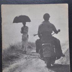Libros de segunda mano: ROBERT CAPA MENSEN IN DE OORLOG , AMSTERDAM. Lote 101995947