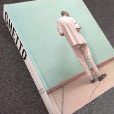 Libros de segunda mano: GHETTO - LIBRO RARO, CON FOTOGRAFÍAS DE 12 GHETTOS MODERNOS (2003). Lote 103235191