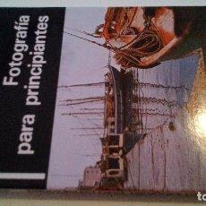 Libros de segunda mano: FOTOGRAFIA PARA PRINCIPIANTES- STUART NORDHEIMER-DAIMON 1981. Lote 110751959