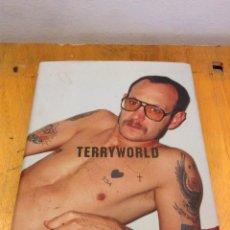 Libros de segunda mano: TERRYWORLD. DIAN HANSON. TASCHEN. Lote 123430031