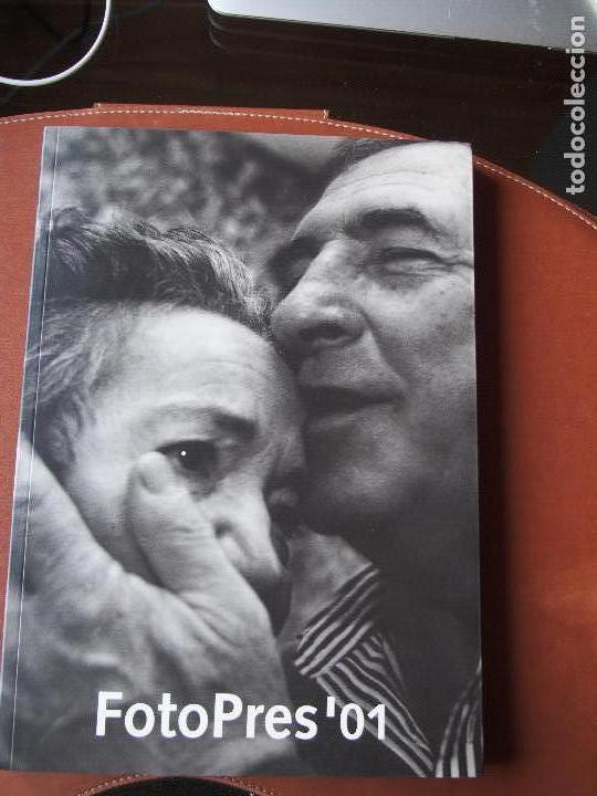 FOTOPRES '01 LA CAIXA FOTOGRAFÍA PERIODISMO (Libros de Segunda Mano - Bellas artes, ocio y coleccionismo - Diseño y Fotografía)