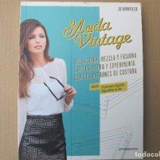 Libros de segunda mano: MODA VINTAGE (JO BARNFIELD 2014). Lote 125029439