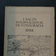 Libros de segunda mano: I SALÓN INTERNACIONAL DE FOTOGRAFÍA LA CORUÑA. Lote 129075191