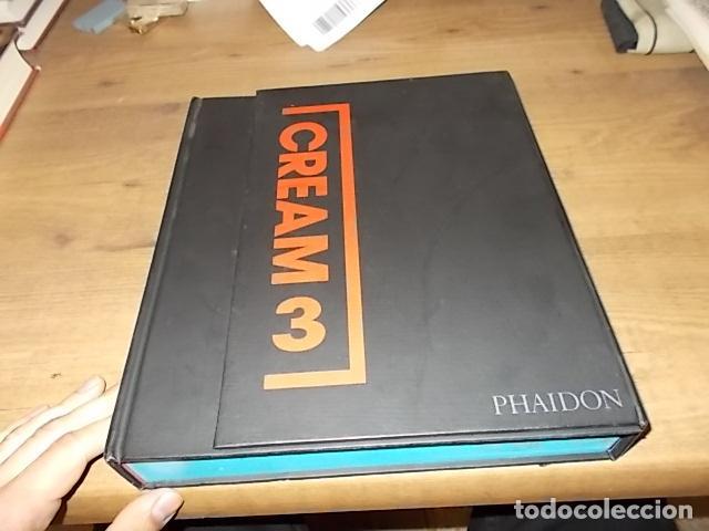 Libros de segunda mano: CREAM 3. 10 CURADORES / 100 ARTISTAS CONTEMPORÁNEOS / 10 ARTISTAS DE ORIGEN. PHAIDON. 2003.UNA JOYA - Foto 2 - 141673010