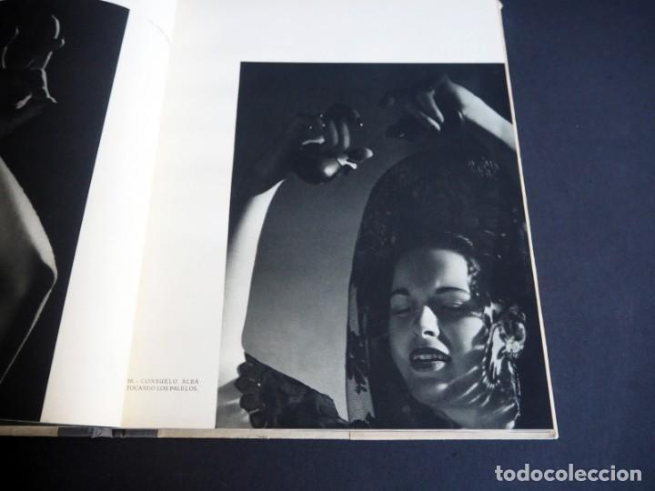 Libros de segunda mano: BALLET ESPAÑOL. FOTOGRAFÍAS DE JUAN GYENES. Con dedicatoria del fotografo. 1953 - Foto 12 - 142893934