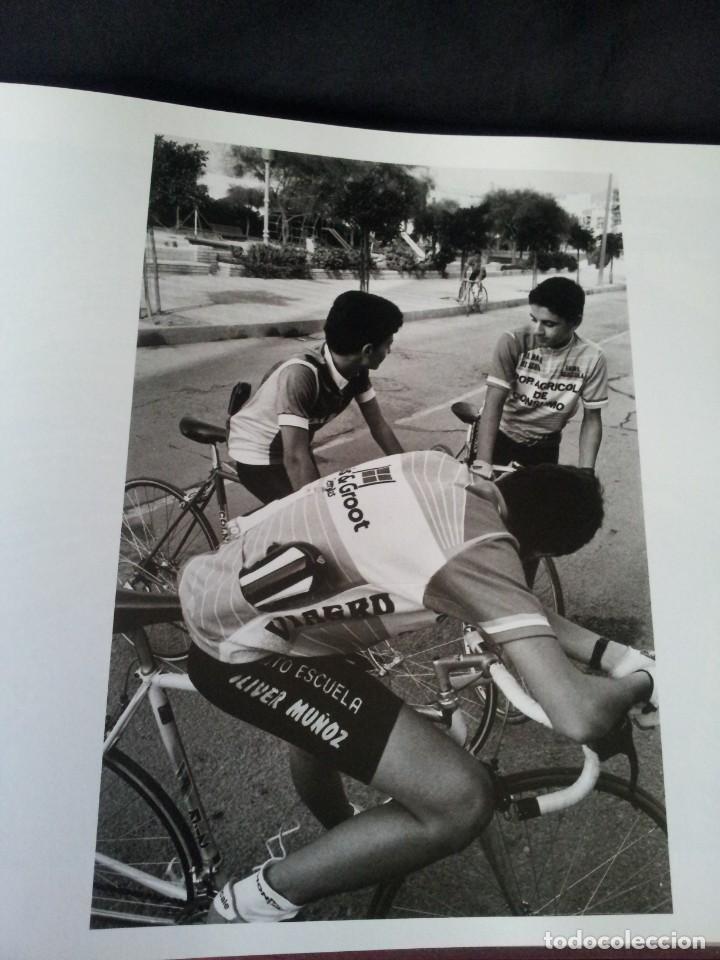 Libros de segunda mano: MANUEL FALCES - IMAGINA - 25 ANIVERSARIO DEL CENTRO ANDALUZ DE LA FOTOGRAFIA 1992 - Foto 7 - 145341946