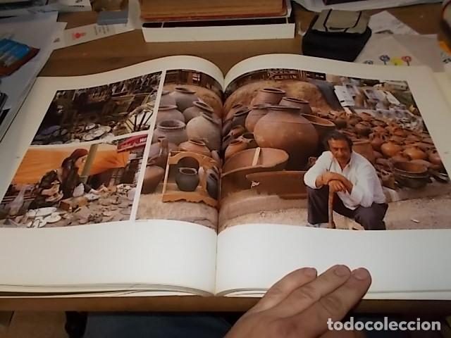 ELS MERCATS DE BARCELONA. TEXT DANIELLE PROVANSAL. FOTOGRAFIA MELBA LEVICK. 1ª EDICIÓ 1992. (Libros de Segunda Mano - Bellas artes, ocio y coleccionismo - Diseño y Fotografía)