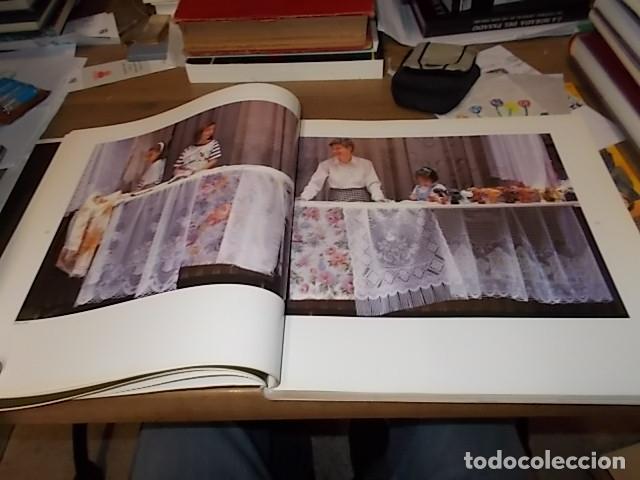Libros de segunda mano: ELS MERCATS DE BARCELONA. TEXT DANIELLE PROVANSAL. FOTOGRAFIA MELBA LEVICK. 1ª EDICIÓ 1992. - Foto 8 - 145770662