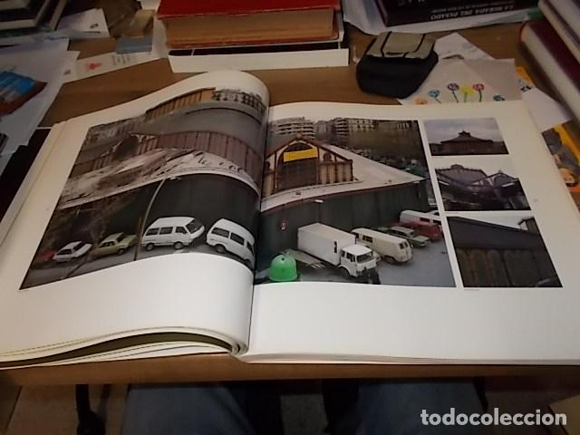 Libros de segunda mano: ELS MERCATS DE BARCELONA. TEXT DANIELLE PROVANSAL. FOTOGRAFIA MELBA LEVICK. 1ª EDICIÓ 1992. - Foto 14 - 145770662