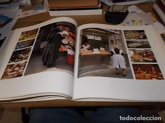 Libros de segunda mano: ELS MERCATS DE BARCELONA. TEXT DANIELLE PROVANSAL. FOTOGRAFIA MELBA LEVICK. 1ª EDICIÓ 1992. - Foto 18 - 145770662