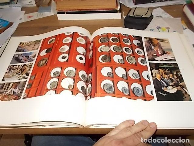Libros de segunda mano: ELS MERCATS DE BARCELONA. TEXT DANIELLE PROVANSAL. FOTOGRAFIA MELBA LEVICK. 1ª EDICIÓ 1992. - Foto 20 - 145770662