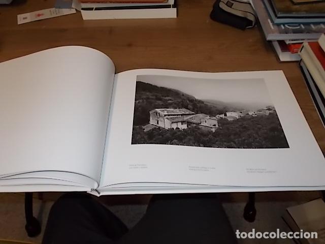 Libros de segunda mano: SÓLLER .BAJO LA MONTAÑA. IMÁGENES DE SÓLLER Y SU GENTE. FOTOGRAFÍAS ANDREW MACLEAR. 2007. MALLORCA - Foto 7 - 146630654