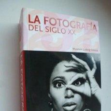 Libros de segunda mano: LA FOTOGRAFÍA DEL SIGLO XX. TASCHEN. Lote 148249170